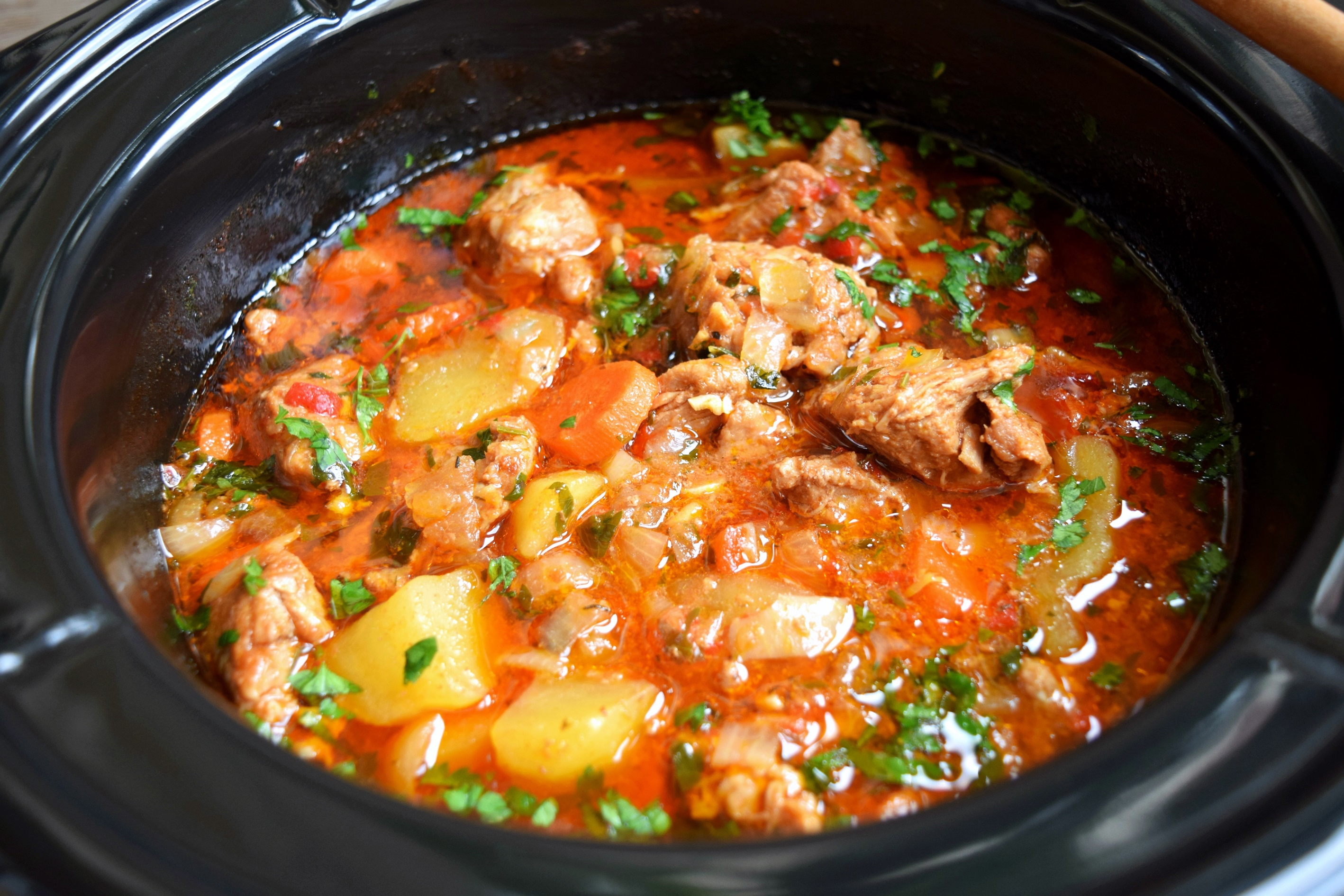 Gulaș de vițel la Slow Cooker Crock Pot